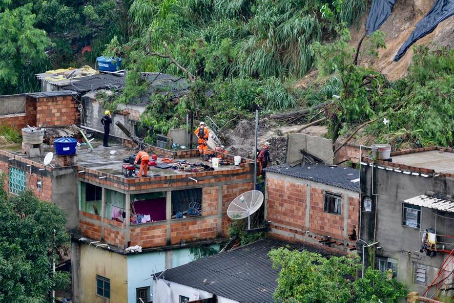 Duas pessoas morrem em desabamento de casa em Ibirité por conta da chuva