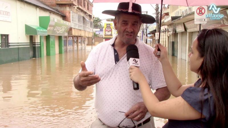 Enchente em Manhuaçu Minas Gerais deixa moradores assustados em janeiro de 2020