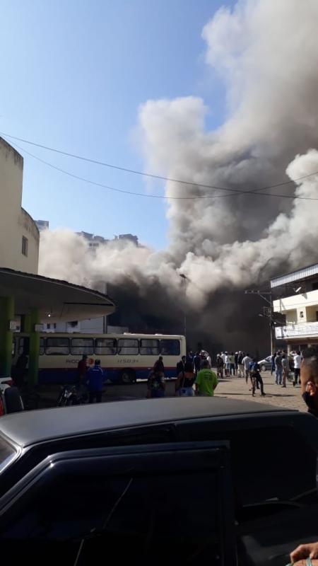 Incêndio na Loja Calpen em Manhuaçu